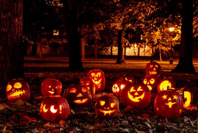 فلسفه جشن هالووینچگونه جشن هالووین بگیریمدر جشن هالووین چه میکنندجشن هالووین چیستجشن هالووین در ترکیهتاریخ هالووین 2020تاریخ هالووین 2019متن انگلیسی درباره هالووین